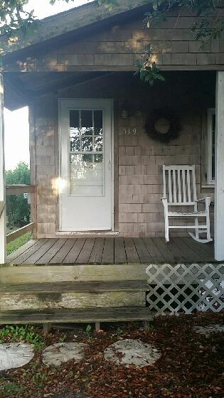 Week in Paradise - The Cedar Cottage, Amanda Rauscher
